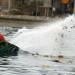 Plastik in jeder Welle - Surfen in der Müllhalde Meer