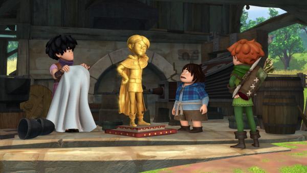 Bild 1 von 4: Prinz John hat sich eine goldene Statue gießen lassen. Das Gold dazu nahm er den Bürgern in Form von neuen Steuern weg.  Little John, Tuck und Robin Hood haben einen Plan.