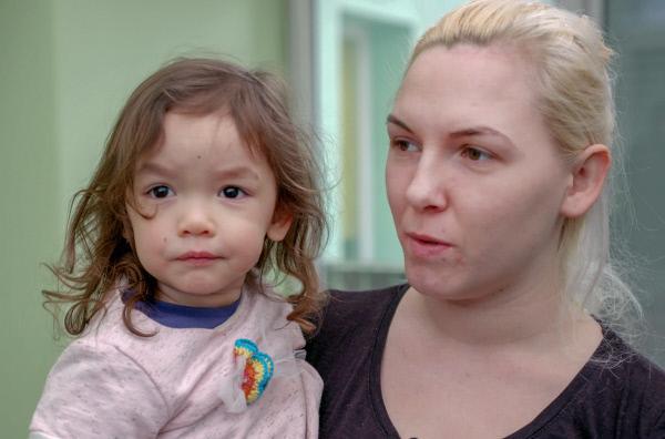 Bild 1 von 4: Mütter mit kleinen Kindern können im Frauenhaus unterkommen. Schutz für Frauen ohne Kinder ist fast unmöglich.