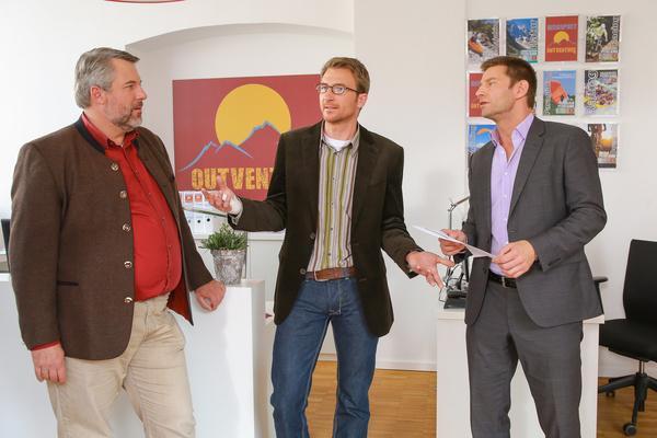 Bild 1 von 9: Hat Vereinschef Dirk Hoffmayer (Heiko Ruprecht, M.) etwas zu verbergen? Kommissar Hansen (Igor Jeftic, r.) und Stadler (Dieter Fischer, l.) ermitteln.