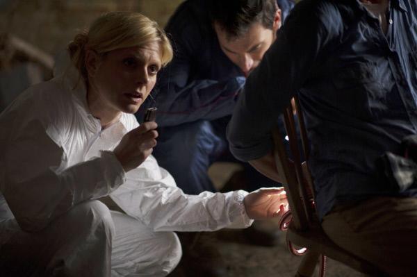 Bild 1 von 4: Nikki Alexander (Emilia Fox) und Jack Hodgson (David Caves).