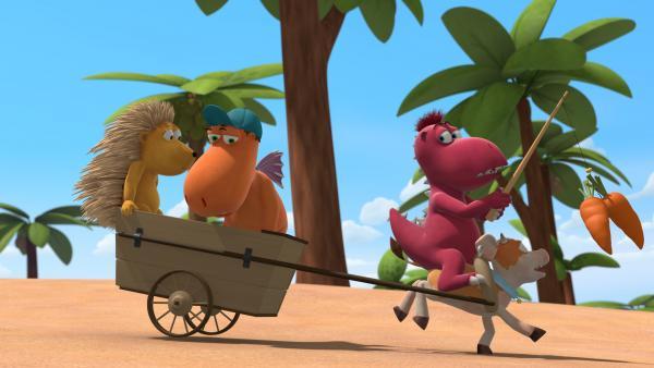 Bild 1 von 3: Matilda, Kokosnuss und Oskar verfolgen mit Hilfe von Steaky den Feuergrasdieb. Das kleine Kälbchen gibt alles um so schnell wie möglich zu sein.