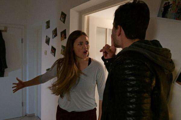 Bild 1 von 4: Die 20-jährige Mareike wird nachts in ihrer Wohnung von einem Mann überrascht und ermordet. Doch die Ermittlungen gestalten sich schwierig. Nur durch das trickreiche Vorgehen der Kriminaler kann der junge Mann schließlich überführt werden.