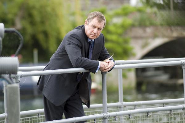 Bild 1 von 4: DCI Tom Barnaby (John Nettles) vor schwierigen Ermittlungen.