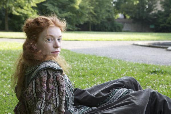 Bild 1 von 1: Hunger nach Bildung: Sie war die bestausgebildete Frau ihrer Zeit. Marleen Lohse als Elisabeth I. in der Reihe \