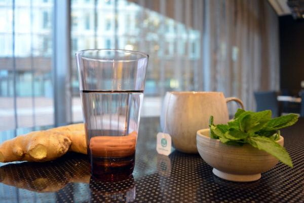 Bild 1 von 7: Gesund durch Fasten - Mit Wasser und Tee zu mehr Energie