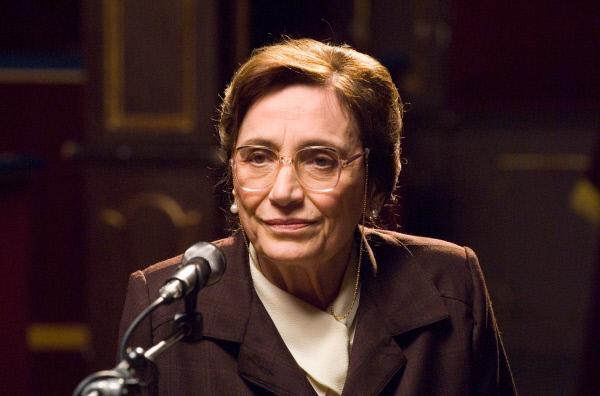 Bild 1 von 5: Signora Enea (Piera Degli Esposti) war vierzig Jahre lang die treue und schweigsame Sekretärin von Giulio Andreotti.