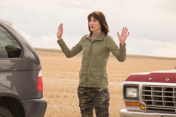 Bild 1 von 3: Nikki Swango (Mary Elizabeth Winstead) erkennt, dass sie keine Chance mehr hat ihren Racheplan fortzuführen.