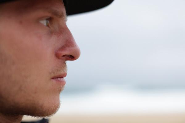 Bild 1 von 8: Der einzige Deutsche Big Wave Surfer Sebastian Steudtner ist ständig auf der Suche nach der höchsten  Welle. In Portugal kommt er seinem Ziel einen Schritt näher.