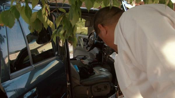 Bild 1 von 5: Eine junge Frau wird vermisst, ihr Auto wird verlassen aufgefunden. Deputy Mario Quintanilla übernimmt den Fall.