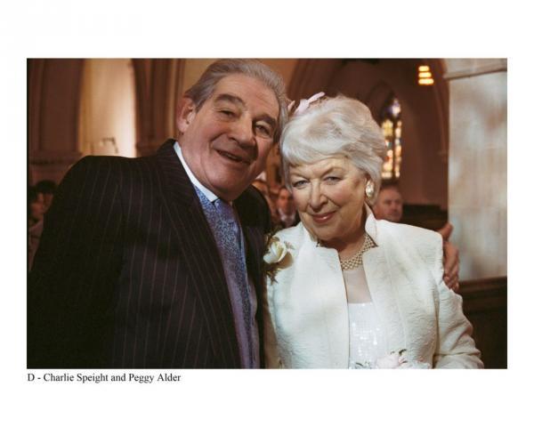 Bild 1 von 5: Ein Hochzeitspaar im Seniorenheim: Charlie Speight (Trevor Peacock) und Peggy Alder (June Whitfield).