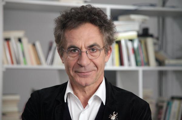 Bild 1 von 2: Der Physiker Etienne Klein ist Autor, Rundfunk-Publizist und Wissenschaftsphilosoph. Er leitet unter anderem das Materie-Forschungslabor der französischen Behörde für Atomenergie und alternative Energien (CEA).