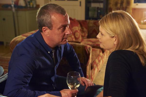 Bild 1 von 4: DCI Banks (Stephen Tompkinson) und DS Annie Cabbot (Andrea Lowe) mögen sich mehr, als ihrer Polizeiarbeit gut tut.