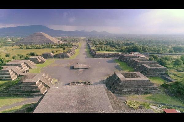 Bild 1 von 2: Nur knapp 50 Kilometer von Mexiko-Stadt entfernt lag einmal das berühmte Teotihuacán, die wohl älteste Stadt Amerikas, die seinerzeit Zehntausende Migranten aus ganz Mesoamerika anlockte und so zur ersten kosmopolitischen Metropole der Welt wurde.