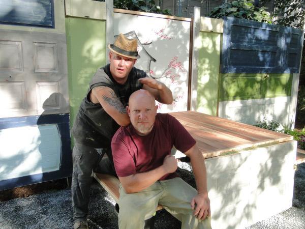 Bild 1 von 4: (3. Staffel) - Die beiden Landschaftsgärtner Jake (l.) und Joel Moss (r.) verpassen fremden Gärten einen völlig neuen Anstrich ...