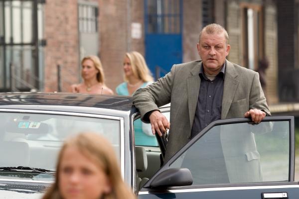 Bild 1 von 11: Wilsberg (Leonard Lansink) bei seinen Ermittlungen.