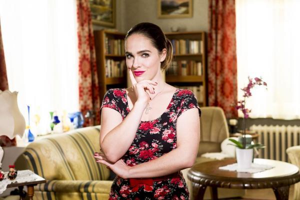Bild 1 von 18: Verena Altenberger ist Magda