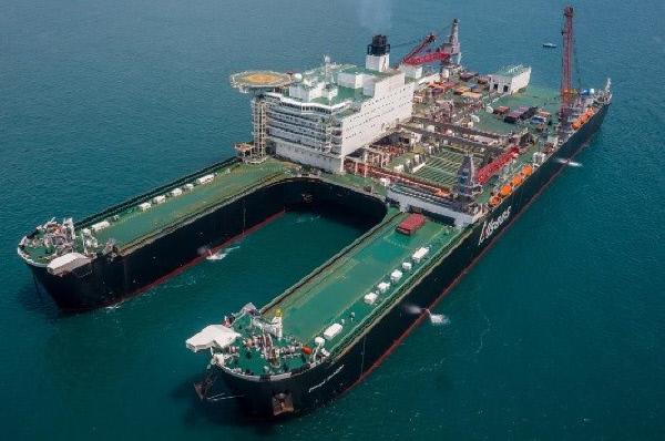 Bild 1 von 1: Das größte Arbeitsschiff der Welt: Die Pioneering Spirit.