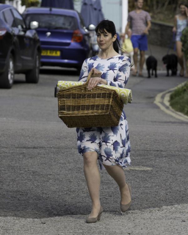 Bild 1 von 42: (7. Staffel) - Louisa (Caroline Catz) kehrt zwar aus Spanien zurück, doch die Probleme in ihrer Ehe mit Doc Martin bleiben bestehen ...