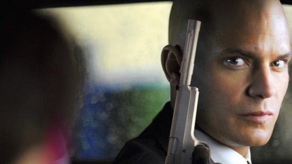 Bild 1 von 4: Er ist eiskalt, mordet präzise wie eine Maschine und hat keinen Namen: Agent 47 (Timothy Olyphant) ist ein genetisch gezüchteter Auftrags-Killer, der rund um den Globus schon zahlreiche Personen beseitigt hat.