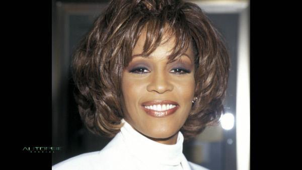 Bild 1 von 4: 11. Februar 2012: In einem Hotel in Beverly Hills wird Whitney Houston tot in ihrer Badewanne aufgefunden.