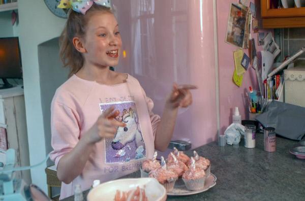 Bild 1 von 5: Coco ist zwölf Jahre alt und lebt in der englischen Metropole und Haupstadt London.