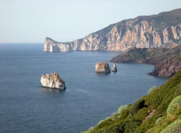 Bild 1 von 3: Traumhaft - Westküste von Sardinien.