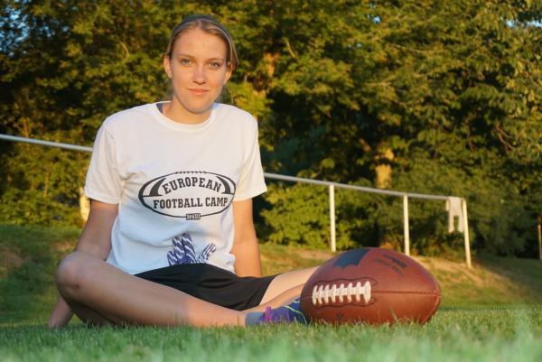 Bild 1 von 3: Die 16-jährige Diana brennt für American Football.