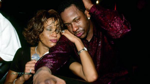 Bild 1 von 4: Whitney Houston mit ihrem damaligen Ehemann Bobby Brown