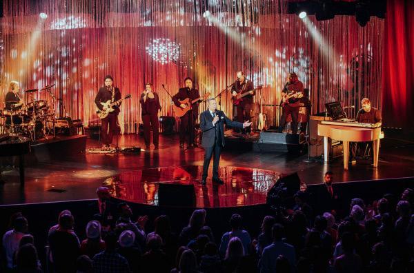 Bild 1 von 1: Roland Kaiser beim exklusiven Live-Konzert aus der Berliner Columbiahalle.