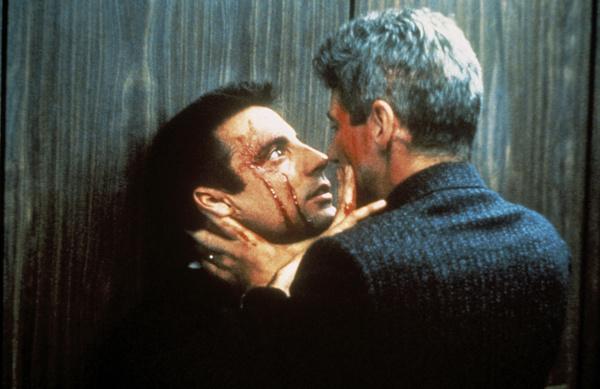 Bild 1 von 8: Zwischen den beiden Kontrahenten, dem gesetzestreuen und alerten Cop Avila (Andy Garcia, l.) und dem zynischen und knallharten Peck (Richard Gere, r.), entbrennt ein mörderischer Zweikampf.