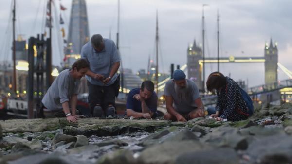 Bild 1 von 7: London: Im Schlamm der Themse finden Schatzsucher bis heute viele historische Tabakpfeifen.