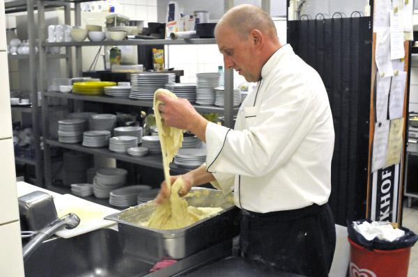 Die Kochprofis - Einsatz am Herd - Restaurant Löffel in Dortmund ... | {Die kochprofis-küche 89}