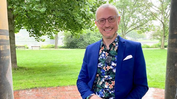Bild 1 von 3: Dr. Johannes Hartl zu Gast bei Bibel TV Das Gespraech