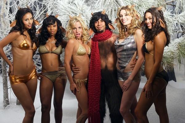 Bild 1 von 12: V.l.: Cribs Faun (Britten Kelley), Cribs Faun (Zee James), Cribs Faun (Olivia Hardt), Mr. Tumnus (Héctor Jiménez), Cribs Faun (Arielle Vandenberg), Cribs Faun (Ginny Jones)