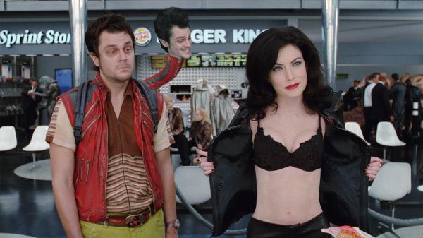Bild 1 von 4: Johnny Knoxville (Scrad/Charlie), Lara Flynn Boyle (Serleena)