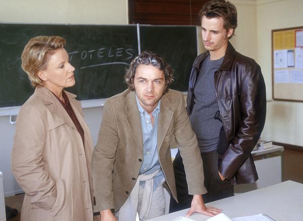 Bild 1 von 10: Mariele Millowitsch (Mona Seiler), Alexander Lutz (Michael Danner), Max von Thun (Kommissar Fischer).