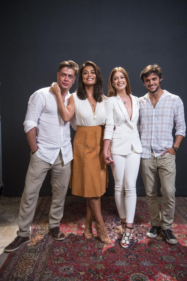 Bild 1 von 2: (v.l.n.r.) Arthur (Fabio Assunção); Carolina (Juliana Paes); Eliza (Marina Ruy Barbosa); Jonatan (Felipe Simas)