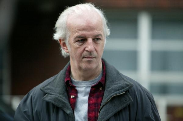 Bild 1 von 5: Kieran Donnelly (Sean McGinley) wird verdächtigt, den Vergewaltiger seiner Tochter entmannt und ermordet zu haben. Lewis aber glaubt, dass die Dinge komplizierter liegen.