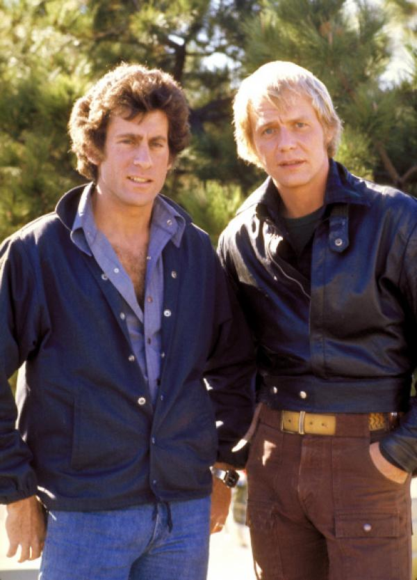 Bild 1 von 1: Im Einsatz für Recht und Ordnung auf Großstadtstraßen: Die beiden Polizisten Dave Starsky (Paul Michael Glaser, r.) und Ken Hutchinson (David Soul, l.), Hutch genannt.