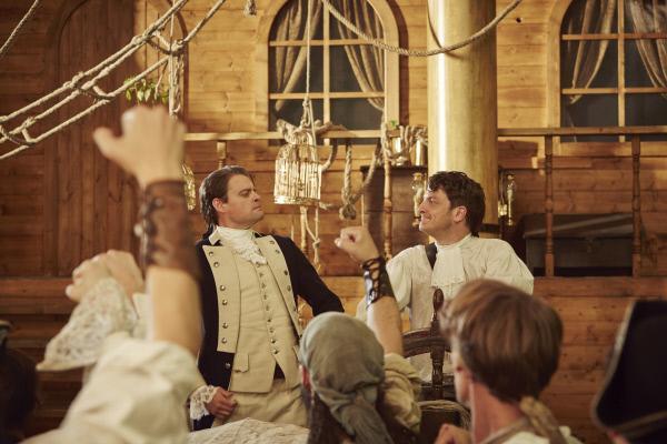 Bild 1 von 5: Max Giermann und Holger Stockhaus erleben die Meuterei auf der Bounty.