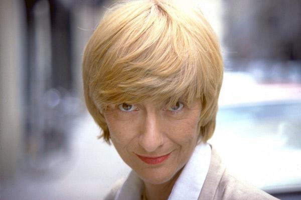 """Bild 1 von 5: Françoise Sagan, das """"charmante Biest"""", wie man sie nannte, trank gern, tanzte gern, machte gern Unsinn und redete gern darüber."""
