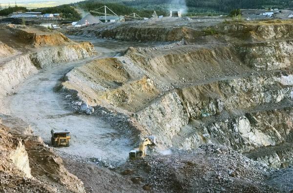 Bild 1 von 5: Die Gold- und Kupfermine Mount Polley im kanadischen British Columbia: Am 4. August 2014 kam es hier zu einer der schwersten Umweltkatastrophen im Bergbau.