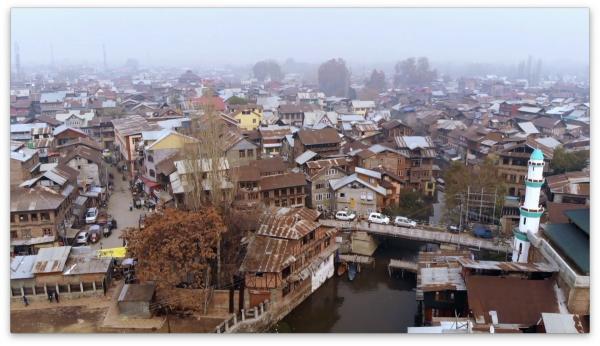 Bild 1 von 2: Srinagar, die Hauptstadt des indischen Teils der Kaschmir-Region, ist Brennpunkt der Unruhen und wird von indischen Streitkräften kontrolliert.