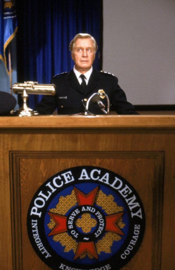 Bild 1 von 14: Hält die Police Acadamy-Truppe zusammen: Kommandant Lassard (George Gaynes) ...