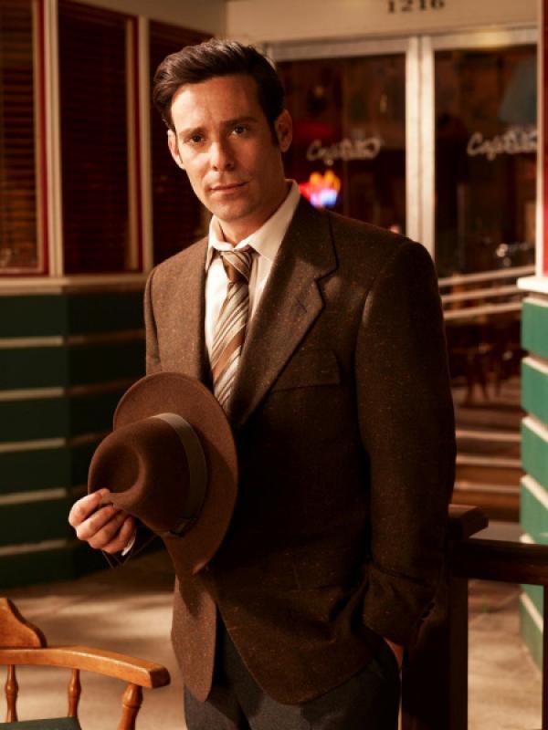Bild 1 von 22: (4. Staffel) - Eureka - Die geheime Stadt: Dr. Grant (James Callis) ...