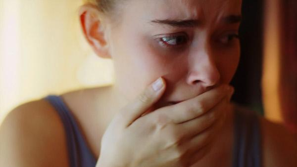 Bild 1 von 1: Mia (Milena Tscharntke) quält das schlechte Gewissen.