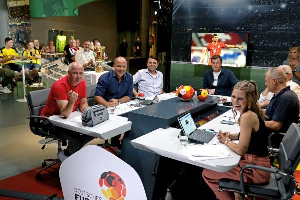 Bild 1 von 2: Fantalk - Sendung vom 14.08. mit Bayern gegen Barca