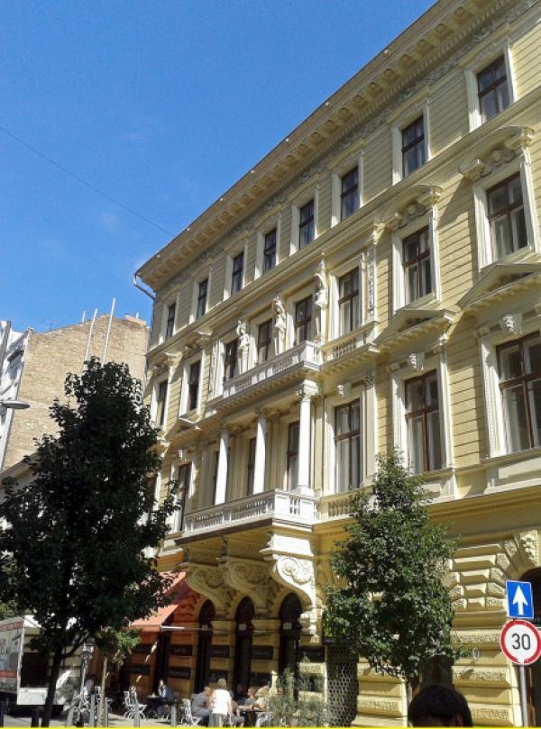 Bild 1 von 2: Budapests kunstvolle Bauten