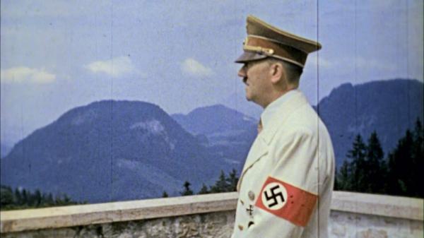 Bild 1 von 2: Der innere Kreis ist für Hitler ein Rückzugsraum. Für seine Mitglieder ist er eine Möglichkeit zum Aufstieg.
